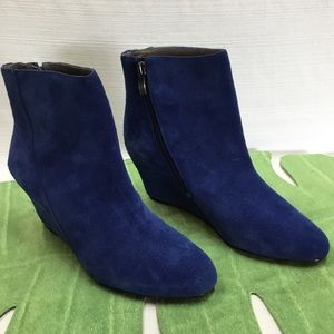 New Vince Camuto Blue Suede Leather Booties